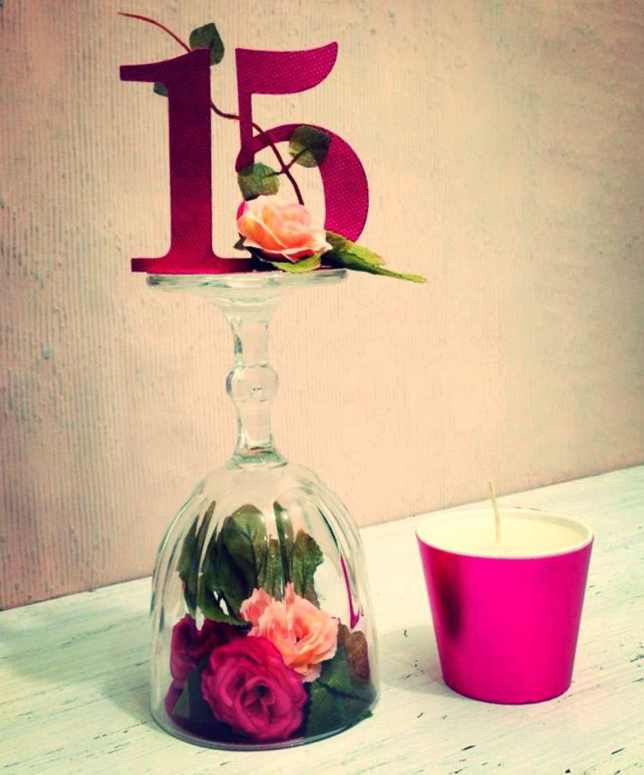 Enfeite de mesa 15 anos angelinne for Mesas decoradas para 15 anos